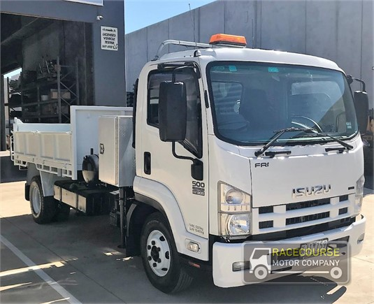 2009 Isuzu FRR500 Racecourse Motor Company - Trucks for Sale