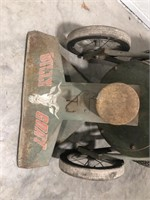 Billy Goat Leaf Vacuum with Briggs and Stratton 4