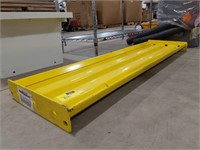 Safety Yellow Steel Guard Rail Bolt On Mounting
