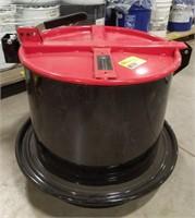Pig latching drum lid draining funnel