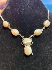 925 SILVER NECKLACE WBEAUTIFUL STONE Other Items For Sale