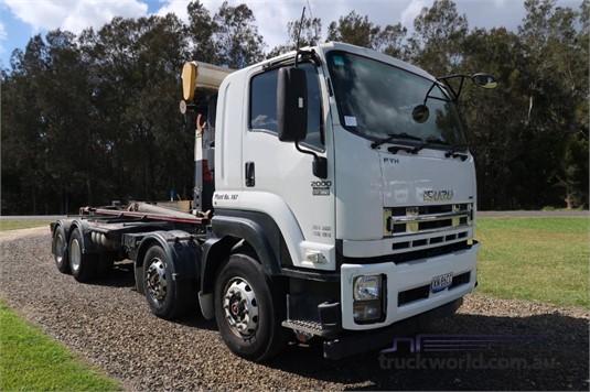 2016 Isuzu FYH 2000 Auto - Trucks for Sale