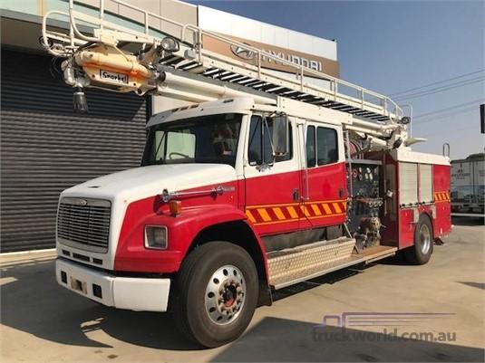 1998 Freightliner FL80 - Trucks for Sale