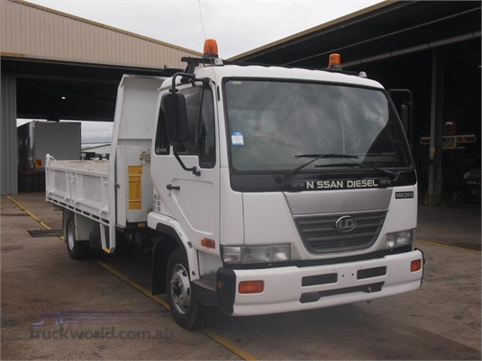 2007 UD MK265 - Trucks for Sale