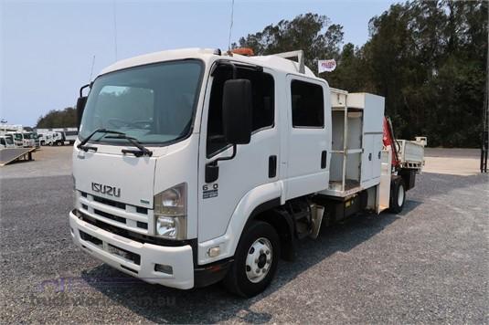 2011 Isuzu FRR 600 Crew - Trucks for Sale