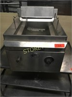 MKE Table Top Gas Fryer - 18 x 21 x 20
