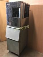 Hoshizaki 280lb Ice Machine w/ Bin