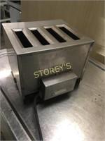 Toastmaster 4 Slice Toaster - TP44