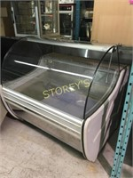 Witryna 4' Refrigerated Curved Glass Display Case