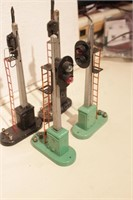 Lionel - 4 RR signals - semaphores & searchlights