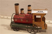 Decorative train items -radio, bank & more (4pcs)
