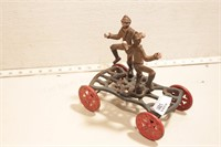 Cast iron boxers on wheels - Original
