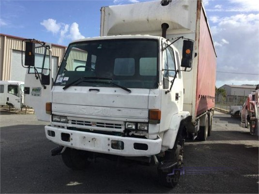1995 Isuzu FVM - Wrecking for Sale