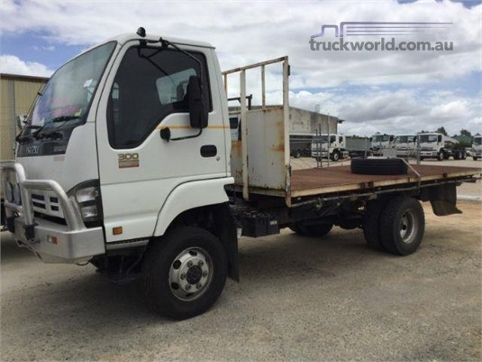 2007 Isuzu NPS - Wrecking for Sale