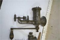 Meat grinders (2pcs)