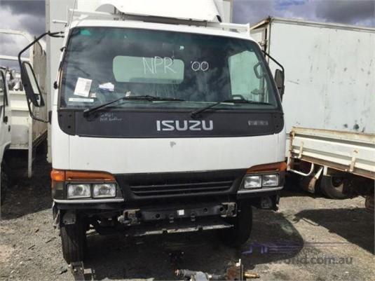 2000 Isuzu NPR - Wrecking for Sale