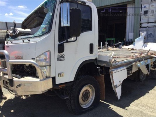 2009 Isuzu NPS - Wrecking for Sale