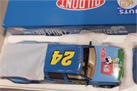 Peanuts enclosed trailer & stock car 1:24 Scale