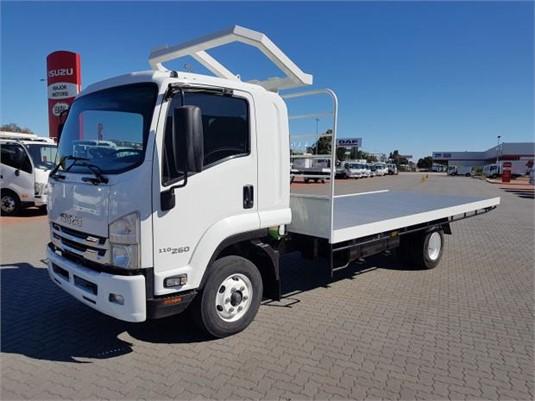 2016 Isuzu other - Trucks for Sale