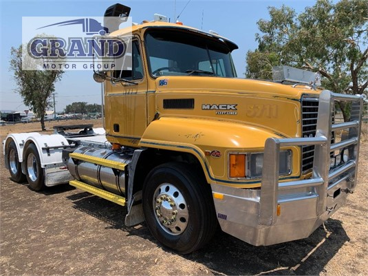 2002 Mack CH Fleetliner Grand Motor Group - Trucks for Sale
