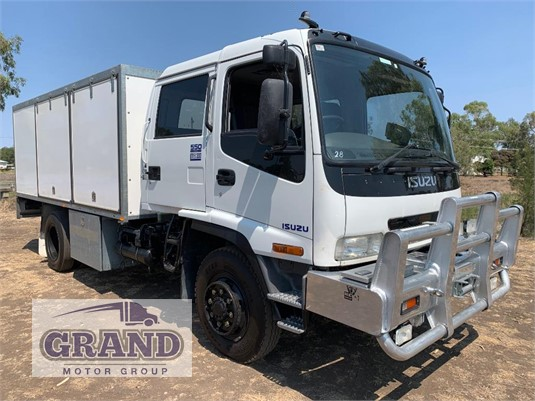 2001 Isuzu FSS 550 4x4 Grand Motor Group - Trucks for Sale