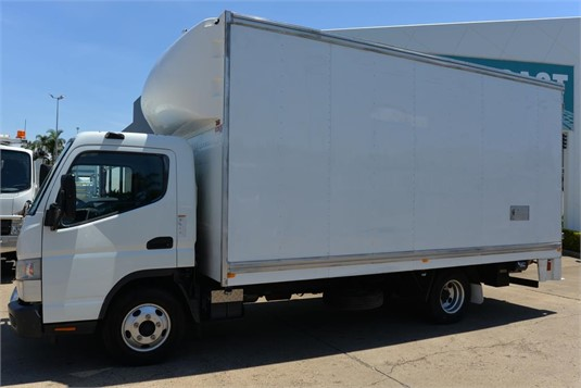 2015 Mitsubishi Canter FE - Trucks for Sale