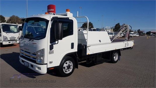 2010 Isuzu NPR 300 - Trucks for Sale