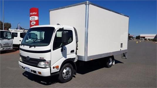 2010 Hino 300 Series 616 - Trucks for Sale
