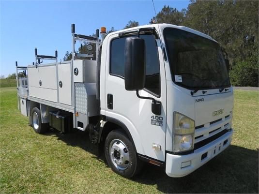 2011 Isuzu NPR 400 Medium - Trucks for Sale