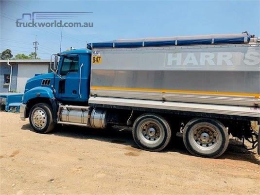 2010 Mack Granite CLR - Trucks for Sale