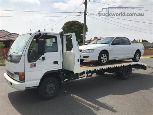 2005 Isuzu NPR 350 - Trucks for Sale