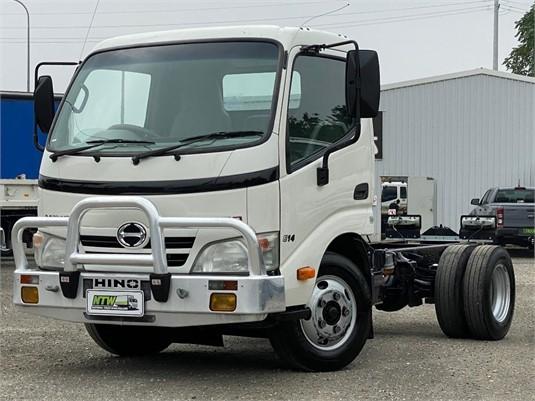 2010 Hino 300 614 - Trucks for Sale