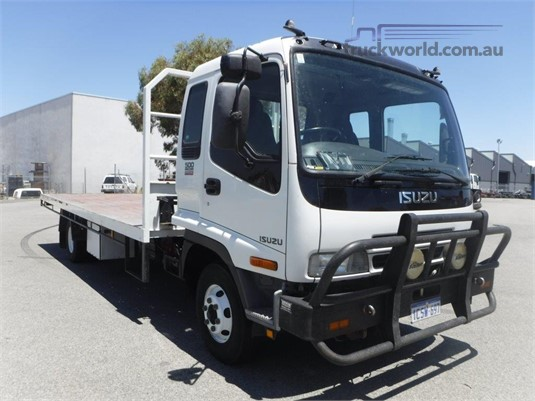 2007 Isuzu FRR500 Raytone Trucks - Trucks for Sale