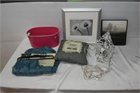 Assorted Wall Hangings, Light Fixture, Tote