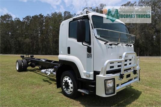 2010 Isuzu FTR 900 Long Midcoast Trucks - Trucks for Sale