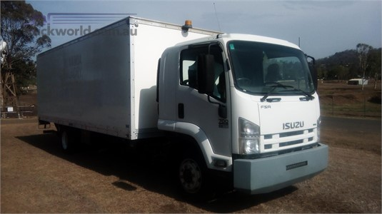 2015 Isuzu FSR - Trucks for Sale