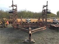 INTERNATIONAL 28' Fold-Up Field Cultivator