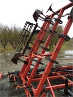 "UNVERFERTH 3-Pt 5-Row 60"" Fold-Up Cultivator"