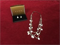 Avon Triple Stand Mother of Pearl Drop Gift Set