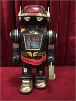 """1985 Chen Ching Toys 15"""" Robot - Not Tested"""