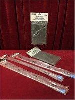 """3 24"""" Magnet Pick-up Tools & 2 Shop Aprons"""