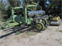 Planting Equipment - Planters  JOHN DEERE 7000