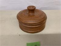 Round woodedn box