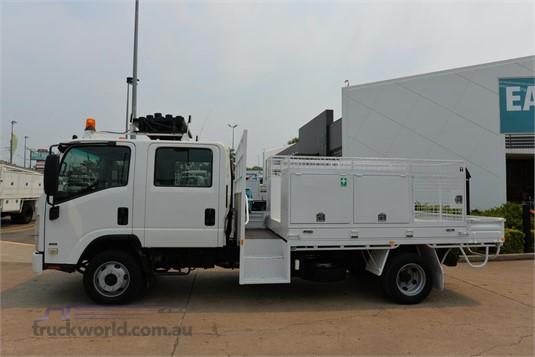 2008 Isuzu NPR 300 - Trucks for Sale