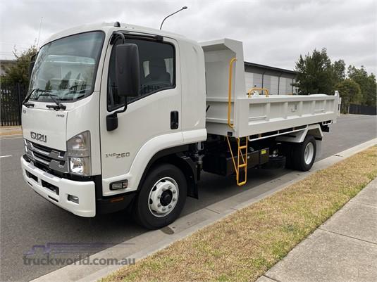 2020 Isuzu FSR Gilbert and Roach - Trucks for Sale