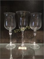 3 Table Centers Glasses