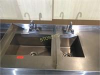 "All S/S 5 Well Cocktail Sink w/ 4"" Backsplash"