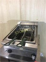 Moffat Table Top Fryer - 220v