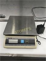 Tanita Digital Scale - KD-200