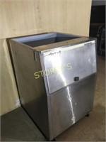 S/S Ice Bin on Wheels - 30 x 31 x 43